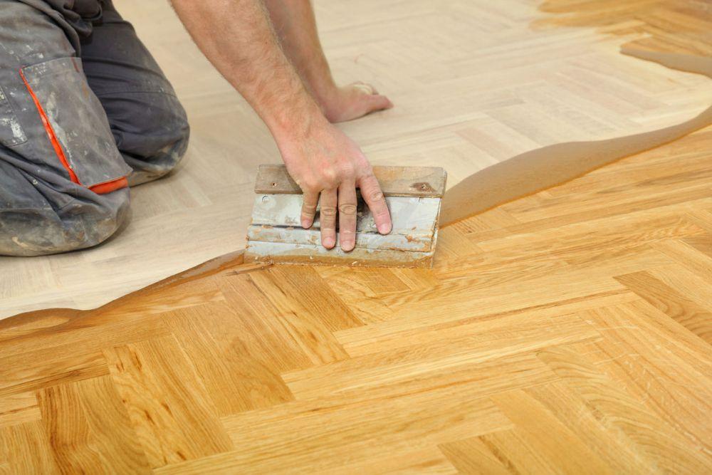 Покрытие деревянного пола лаком своими руками 80