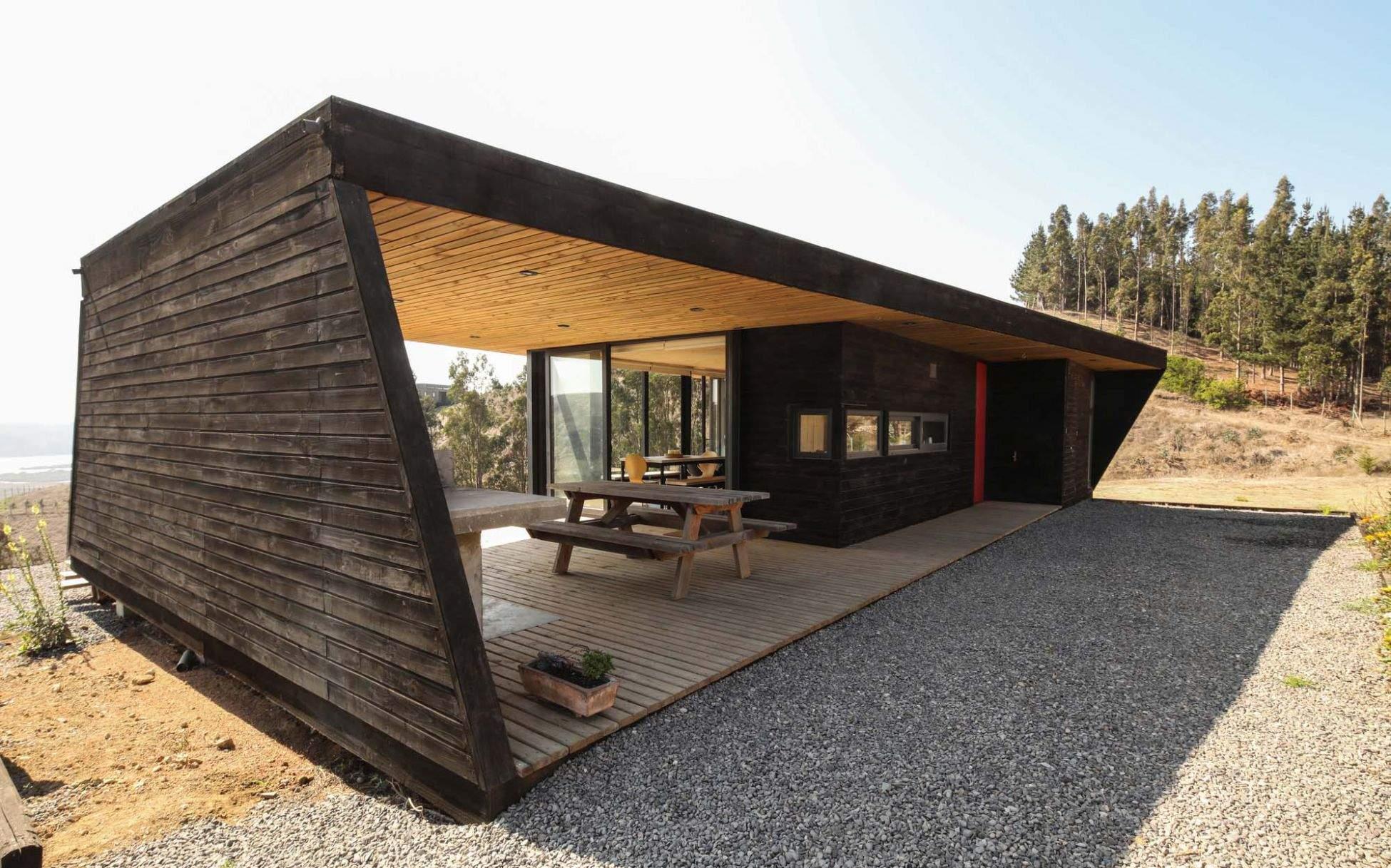 Необычный каркасный домик фото